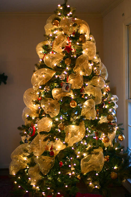 christmas tree decorations with mesh ribbons photo4