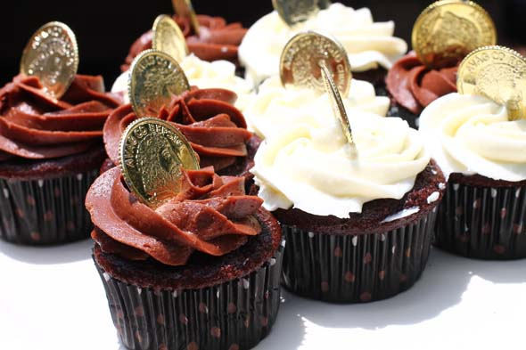 pirate cupcakes with gold coins