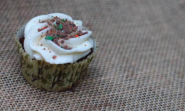Pumpkin Spice M&M Cupcakes