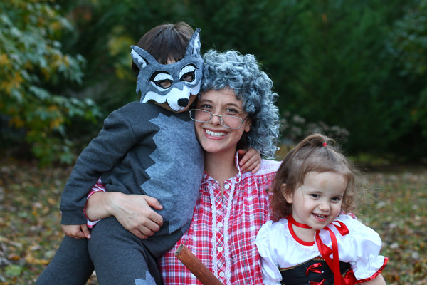 Red Riding Hood, Wolf and Grandma