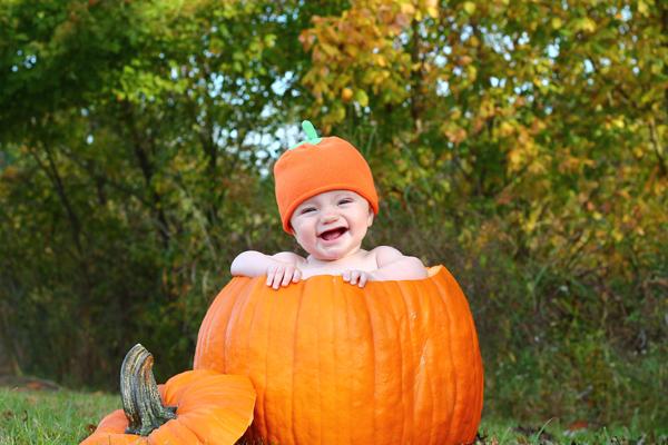 Tips for baby pumpkin photos