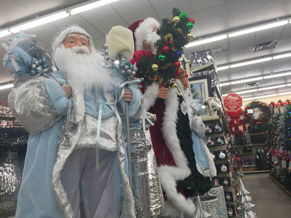 Oversized Decor: Hobby Lobby had tons of options for people who want BIG decorations for both inside and outside their homes.