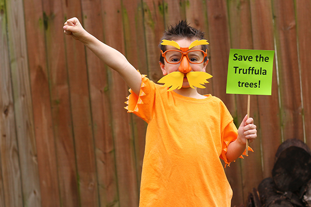 The Lorax Costume Diy Dr Seuss Costume The Mom Creative