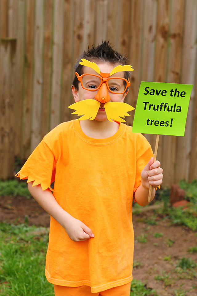 The lorax costume diy dr seuss costume the mom creative the lorax costume diy dr seuss costume solutioingenieria Gallery