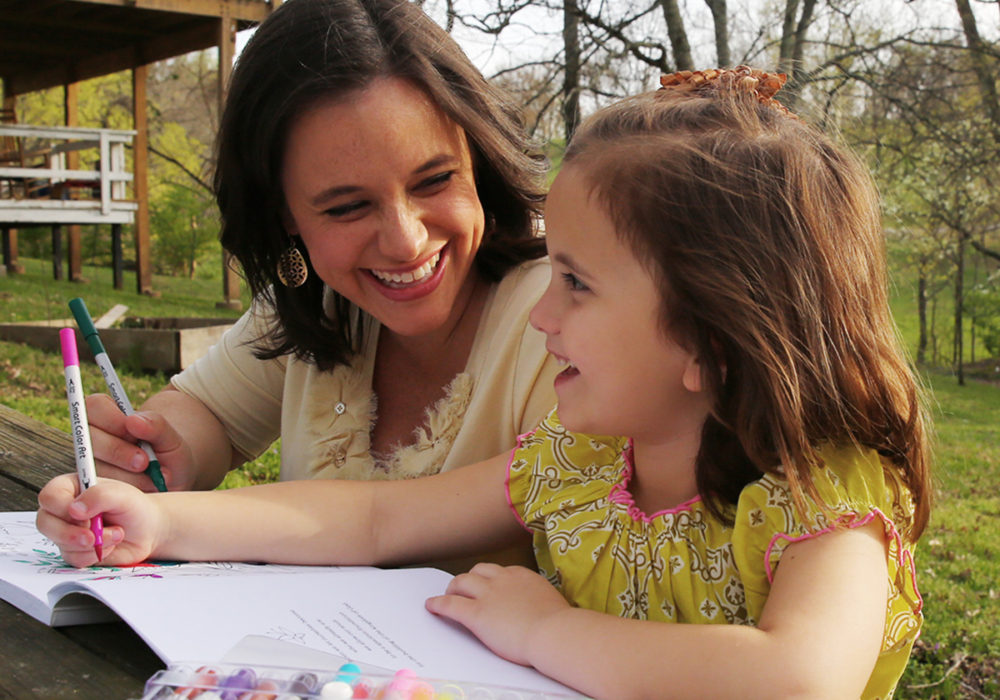 6 Benefits of Coloring with Your Children
