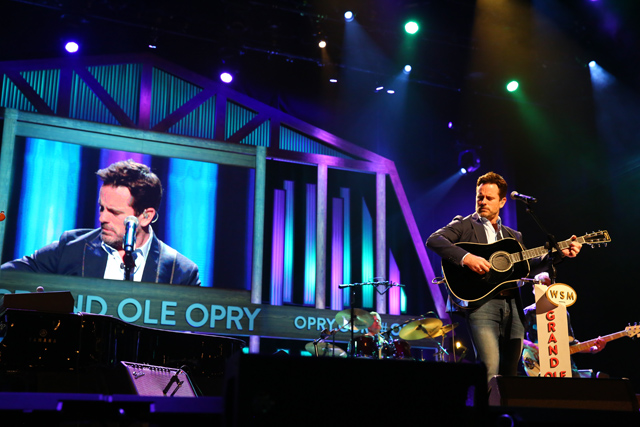 Nashville Must See: Grand Ole Opry Tour & Show
