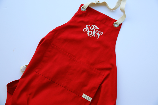 Easy DIY aprons - perfect Christmas gifts