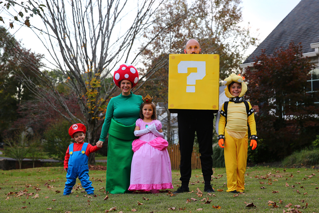 Super Mario Bros. Family Costume Theme
