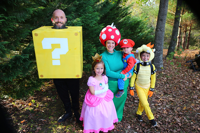 best family halloween costumes super mario bros family costume